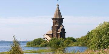 Успенская церковь в Кондопоге до пожара/Фото: Сергей Свердлов/Википедия