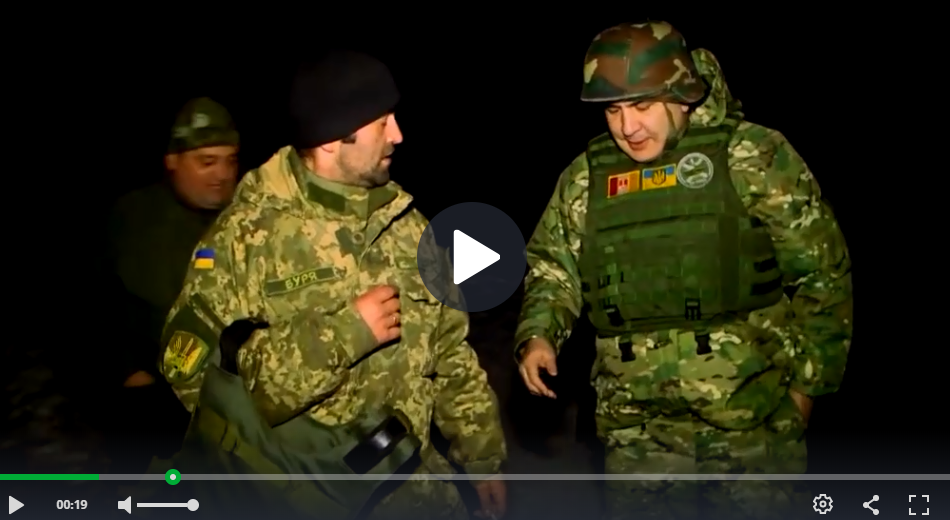 Михаил Саакашвили (справа)/скриншот видео НТВ
